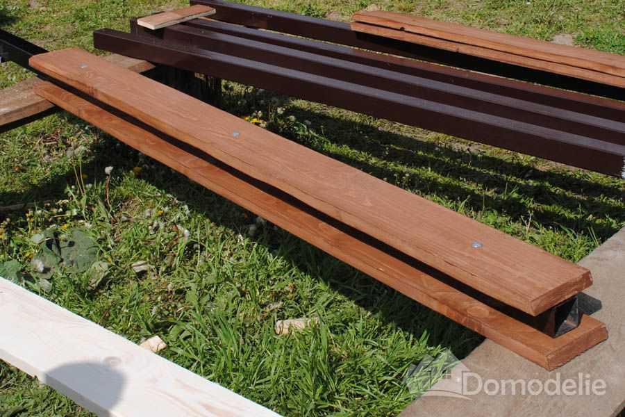 готовый столб с затянутыми мебельными болтами