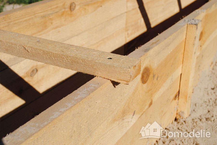 деревянный хомут для опалубки